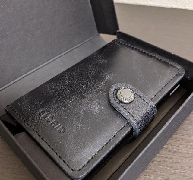 小さくて軽い財布【SECRID】を購入レビュー!問題点は小銭だけ
